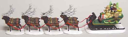 Sleigh & 8 Tiny Reindeer