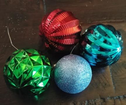 3-4 inch shatterproof globes